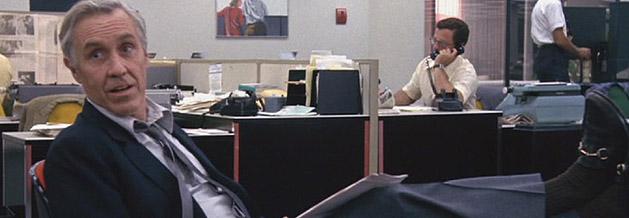 Jason Robards spielt in Die Unbestechlichen den Chef-Redakteur der Washington Post, Ben Bradlee.