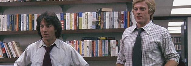 Zwei Grünschäbel bringen den mächtigsten Mann der Welt ins Wanken. Carl Bernstein (Dustin Hoffman) und Bob Woodward (Robert Redford) ermitteln im Fall des Watergate-Einbruchs. Wie die Geschichte ausgeht, das ist bekannt. Spannend ist Die Unbestechlichen aber dennoch. Bild: Warner Bros.