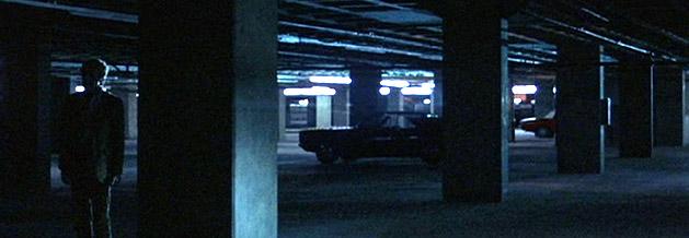 Eine Szene aus Die Unbestechlichen, die sich ins kollektive Gedächtnis eingebrannt hat. Bob Woodward trifft sich mit Deep Throat in einer Tiefgarage.