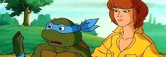April O'Neil mit Leonardo aus der Comic-Serie Teenage Mutant Hero Turtles.