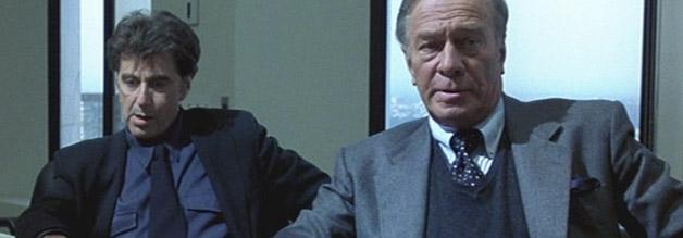 Szene aus The Insider: Lowell Bergman (Al Pacino) und Mike Wallace (Christopher Plummer) müssen bald feststellen, dass ihr Sender kein Debattierclub ist.
