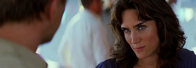 Eine Szene aus dem Film Blood Diamond: Die Journalistin Maddy Bowen im Zwiegespräch mit Diamantenschmuggler Danny Archer.