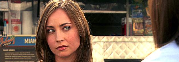 Das Bild zeigt die Journalistin Christina Hill aus der US-Serie Dexter.