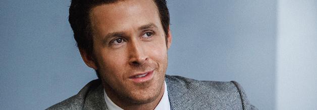 Szene aus dem Film The Big Short - Ryan Gosling spielt einen Trader, der von der Gier der Banken profitieren möchte und fungiert dabei als Erzähler.
