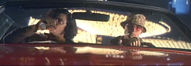 Der Journalist und sein Aaanwaaalt: Raoul Duke (Johnny Depp, rechts) steigt mit Dr. Gonzo (Benicio Del Toro) in der Spielerstadt Las Vegas ab. Gemeinsam suchen sie den amerikanischen Traum.
