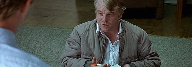 """Freddy Lounds inst der """"Starreporter"""" des fiktiven Tattlers. Seine Spezialität sind besonders blutrünstige Mordtaten. Die verkaufen sich so gut."""