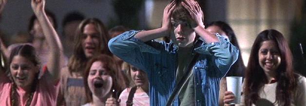 Was ist das bloss für 1 Job vong Nicigkeit her? Almost Famous erzählt von einem Jungen, der auszog, Musikjournalist zu werden. Die Vorlage liefern die Jugenderfahrungen des Regisseurs höchstpersönlich. Bild: Columbia Pictures.
