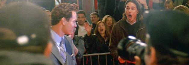 Say, what? Auf dem roten Teppich geht das Blitzlichtgewitter für Schauspieler Bo Laramie (Cole Hauser) noch irgendwie in Ordnung...