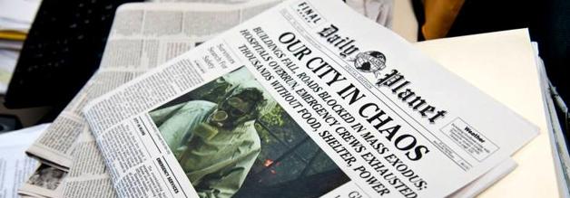 Hiobsbotschaften. Nichts als Hiobsbotschaften im Daily Planet. Bildmaterial: Warner.