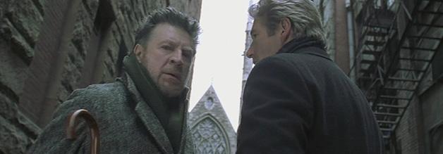 """John Klein und der Schriftsteller Alexander Leek - zwei Figuren, die zusammen den """"geistigen Vater"""" (?) des Mottenmannes vertreten: John Keel, Autor von The Mothman Prophecies."""