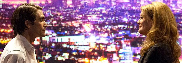 Gruselige Geschäftsbeziehung: Louis Bloom (Jake Gyllenhaal) und Nina Romina (Rene Russo) in Nightcrawler.
