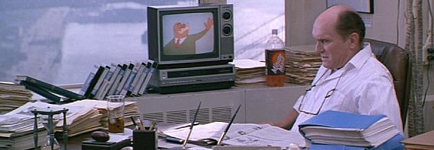 Es menschelt gewaltig in Schlagzeilen. Der Nachrichtenchef (gespielt von Robert Duvall) etwa sieht sich mit einer Krebsdiagnose konfrontiert.