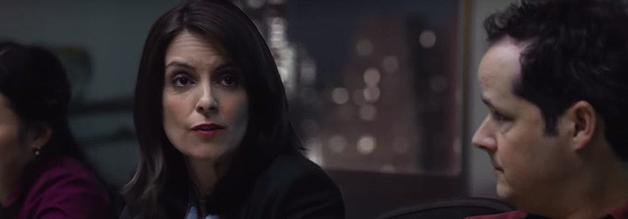 Kein Mann, keine Kinder. Damit ist Kim Baker (Tina Fey) im heimischen Sender abkömmlich. Die Nachrichtentexterin wird plötzlich zur Kriegsreporterin.