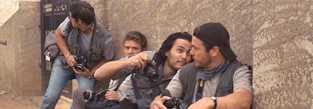 Szene aus The Bang Bang Club: Taylor Kitsch (Zweiter von rechts) spielt Kevin Carter.