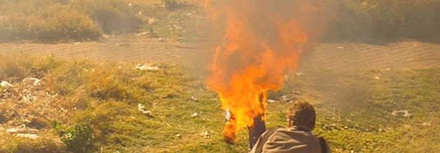 Pulitzer-Preis Nr. 1: Greg Marinovich hält fest, wie ein vermeintlicher Spitzel während der Unruhen in Soweto bei lebendigem Leib verbrannt wird.