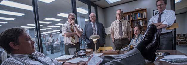 Rabauke vom Dienst: Ben Bradlee (Tom Hanks) ist ein sympathisch-polternder Chefredakteur. Die Redaktion der Washington Post steht stramm.