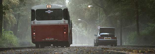 In Bremen nehmen die Gangster einen Linienbus in Beschlag. Erst auf niederländischem Boden endet für viele Geiseln die Irrfahrt.