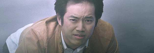 """Aus dem Dunst ins Licht: Seiji Hayami ist in """"Cutey Honey: Tears"""" den Mächtigen auf der Spur."""