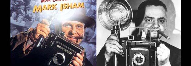 """Vorbild und filmische Ehrerbietung. Der berühmte Arthur """"Weegee"""" Fellig (rechts) ist das Vorbild für Leon Bernstein in Der Reporter. Links das Filmplakat, Foto rechts aus Wikipedia."""