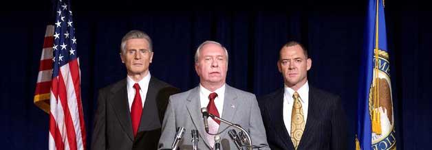 Miese Miene zum miesen Spiel: Mark Felt muss akzeptieren, dass sein Vorgesetzter, Louis Patrick Gray (Marton Csokas, rechts), die Watergate-Ermittlungen offiziell für beendet erklärt.