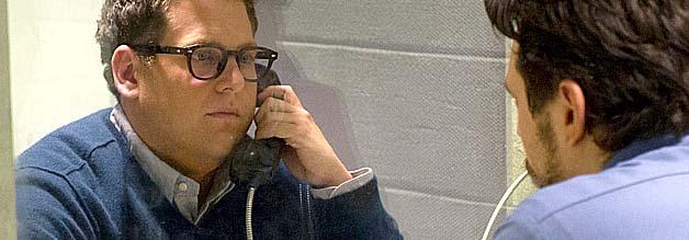 MIchael Finkel (Jonah Hill, links) hofft auf ein journalistisches Comeback. Christian Longo (James Franco) weiß diese Hoffnung für sich zu nutzen.