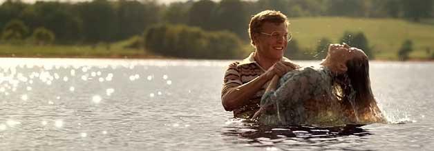 """Das ist Kind ins Brunnen bzw. die Frau in den See gefallen. Leslie Strobel (Erika Christensen) findet zum Glauben, wodurch Lee zunächst vom selbigen abfällt. Am Ende heißt es: """"Jesus, Du hast gewonnen!"""""""