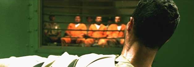 15 Minuten Ruhm, mal anders. Ricky Carr (Raffaello Degruttola) ist der doppelte unglückselige, erste Todeskandidat, der im TV hingerichtet wird. Darauf hat Citizen Verdict (im OT: Execution TV) nur gewartet...