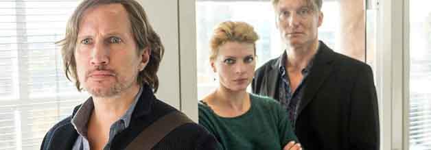 Sehen relativ gelackmeiert aus: Jan Schulte (Benno Führmann), Freundin Britta (Jördis Triebel) und Chefredakteur Tobias Weishaupt (Oliver Masucci).