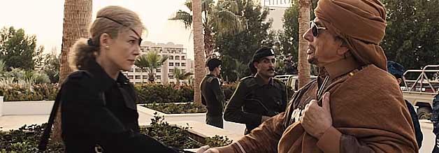 Auf Augenhöhe mit dem Diktator: Marie Colvin trifft im Laufe ihrer Karriere mehrmals auf  Muammar al-Gaddafi. Der libysche Despot soll äußerst angetan vom Auftreten der Reporterin gewesen sein.