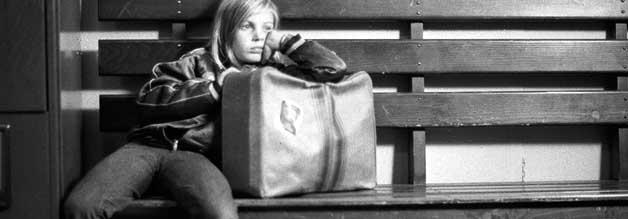 Die Neunjährige Alice ist erwachsener als alle Erwachsenen um sie herum. An der Seite von Philip Winter darf sie endlich wieder Kind sein.