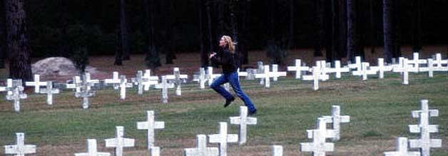 Strampeln gegen die Todesstrafe: Journalistin Bitsy Bloom (Kate Winslet) rennt um das Leben des Todeskandidaten David Gale (Kevin Spacey).
