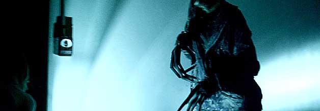 Banshee Chapter ist ein Low Budget-Film - dafür aber echt entsprechend inszeniert. Auch, weil Regisseur Blair Erickson das Creature Design nie ganz entblößt.