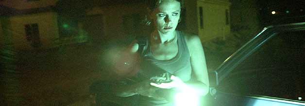 Anne Roland (Katia Winter) ist die Heroine im Horrorfilm Banshee Chapter. Und als investigative Reporterin beinahe übernatürlich tough.