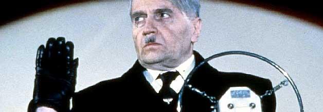Adolf? Bist Du es? Der tschechische Darsteller Rudolph Fleischer spielt den deutschen Diktator, der in Vaterland seinen 75. Geburtstag erleben darf.