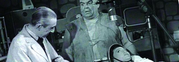 Ist das nicht? Ja, Bela Lugosi spielt in Bride of the Monster an der Seite von Wrestling-Legende Tor Johnson.