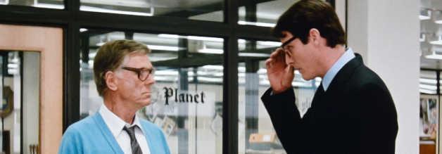 Perry White (Jackie Cooper) rüffelt Clark Kent (Christopher Reeve) für eine Verspätung. Dabei muss sich der Daily Planet-Chefredakteur gleich noch für ganz andere Dinge verantworten.