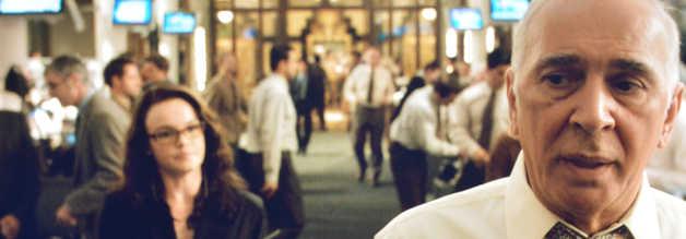 Perry White führt in Superman Returns ein straffes, boulevardeskes Regiment. Die Absatzzahlen geben ihm Recht. Reporterin Lois Lane (Kate Bosworth) appelliert dennoch an sein Gewissen.